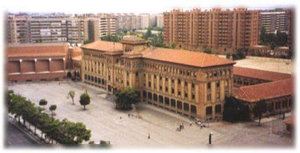 Este es el colegio donde estoy estudiando for Piscina agustinos zaragoza
